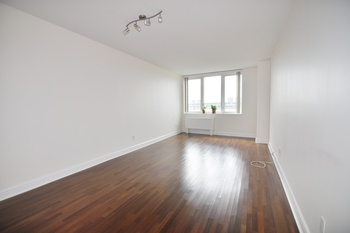 Spacious 1 Bedroom Apartment w/ DIRECT Hudson River Views from ALL Rooms